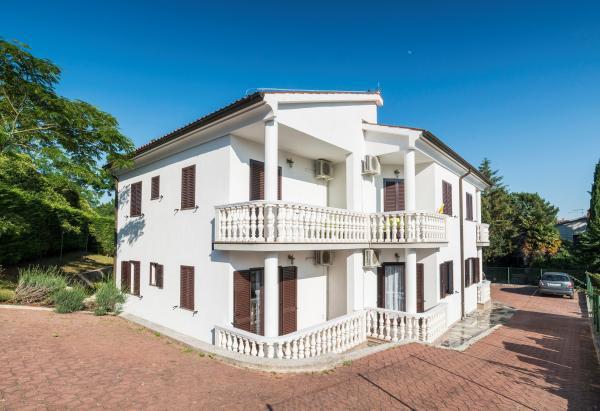 Apartments Umag - Apartments Villa Vienna | Direct-Croatia.com